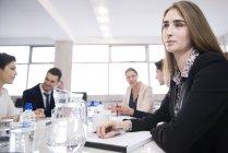 Geschäftsleute haben treffen im Büro — Stockfoto