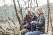 Senior couple drinking tea — Stock Photo