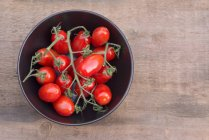 Bowl of fresh Perino tomatoes — Stock Photo