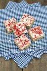 Flapjack aux fraises et meringue — Photo de stock