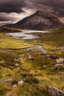 Bello cielo sopra catena montuosa — Foto stock
