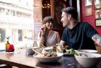 Deux repas au café-restaurant — Photo de stock