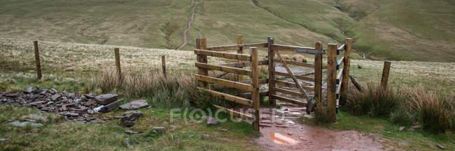 Fußweg in Richtung Mais du mountain — Stockfoto