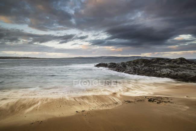 Краєвид Godrevy на Корнуолл берегової лінії в Англії — стокове фото