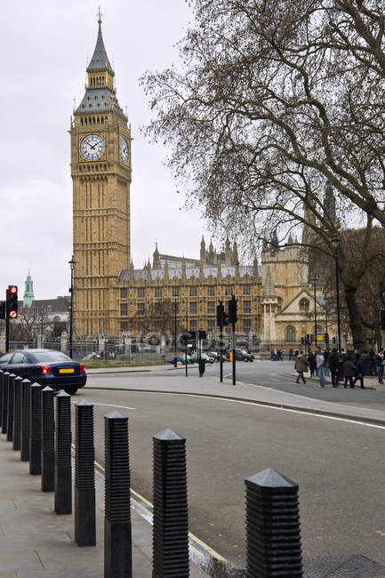 Big ben et les chambres du Parlement à Londres — Photo de stock