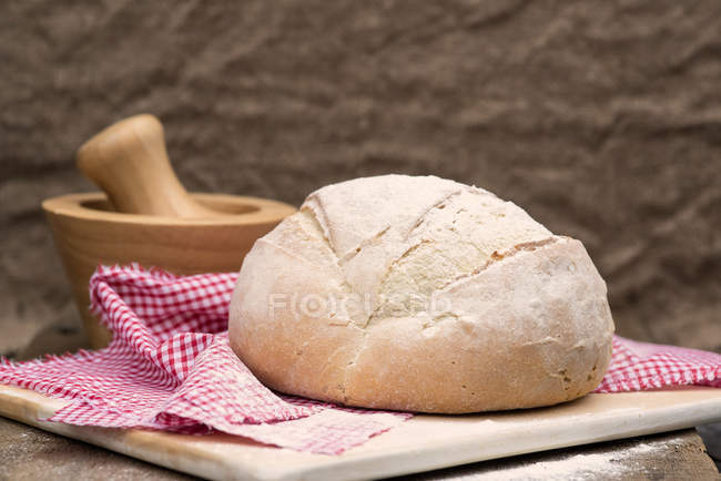 Pan de pan recién horneado - foto de stock