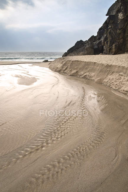 Plage de sable de Porthcurno jaune — Photo de stock