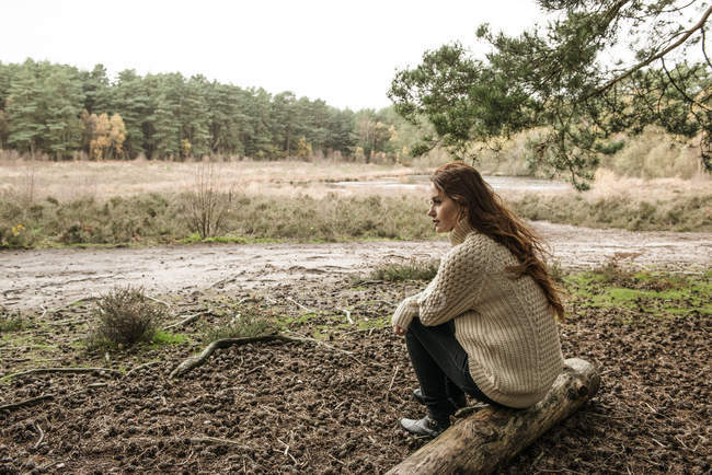 Woman communing with nature — Stock Photo