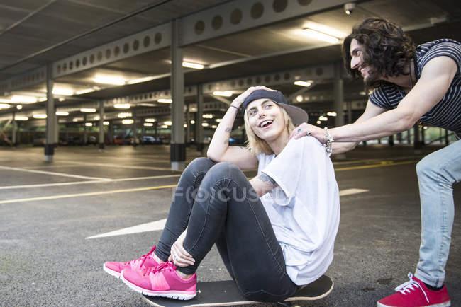 Cool young couple having fun — Stock Photo