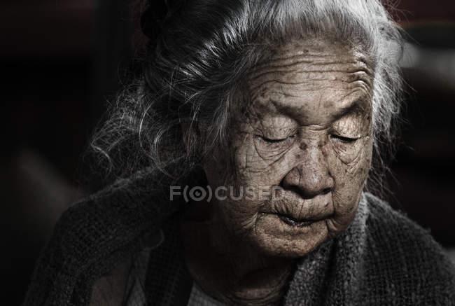 Portrait d'une femme senior de Laos — Photo de stock