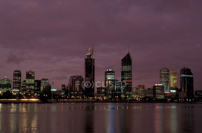 Australia, horizonte de Perth al atardecer - foto de stock