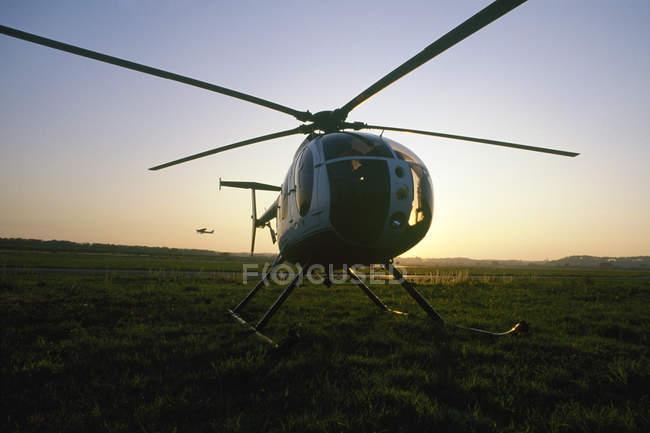 Helicóptero Hughes 500 - foto de stock