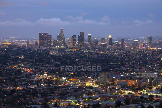 Los Angeles and suburbs at dusk — Stock Photo