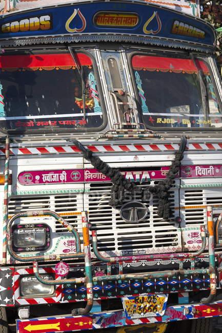 Барвисті старі вантажівка — стокове фото