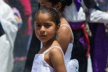 Танцовщицы на уличных фестивалях — стоковое фото