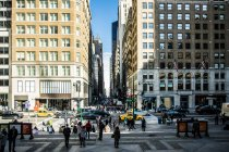 Scène de rue à Manhattan — Photo de stock