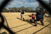 People playing baseball — Stock Photo