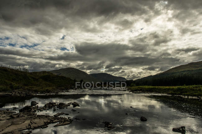 View of Glencoe highland and calm lake — Stock Photo