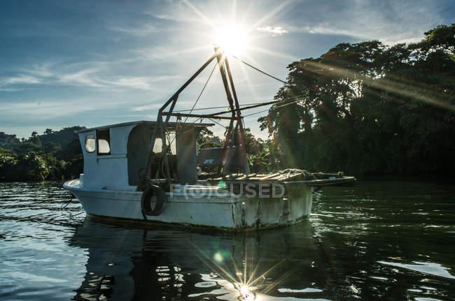 Velho barco de pesca em Livingston — Fotografia de Stock