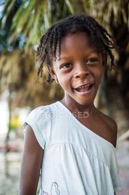 Menina bonito etnia africana — Fotografia de Stock