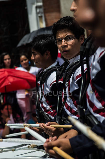 Bateristas de banda marcial — Fotografia de Stock