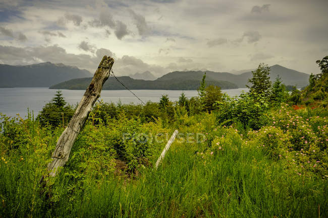 View of lake and mountain hills — Stock Photo