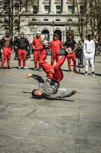 Brake dancers at open air performance — Stock Photo