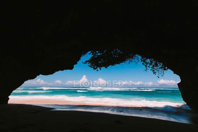 Vista da caverna em Green Bowl Beach — Fotografia de Stock