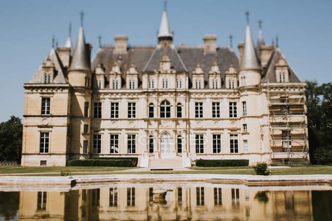 Piccolo castello vecchio stile — Foto stock