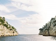 Cliff beach between Cannes and Marseille — Stock Photo