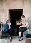 Two elder Chinese women — Stock Photo