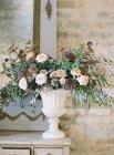 Деревенское цветочное оформление — стоковое фото