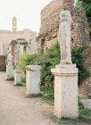 Античные статуи из мрамора — стоковое фото