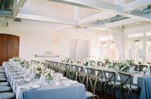 Hochzeit-Einstellung Tabellen — Stockfoto