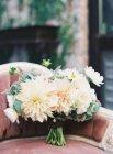 Свадебный букет и пастель — стоковое фото