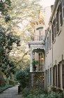 Elegant mansion with garden — Stock Photo