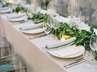Setting table decorated with branches — Stock Photo