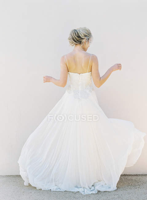Young blonde bride — Stock Photo
