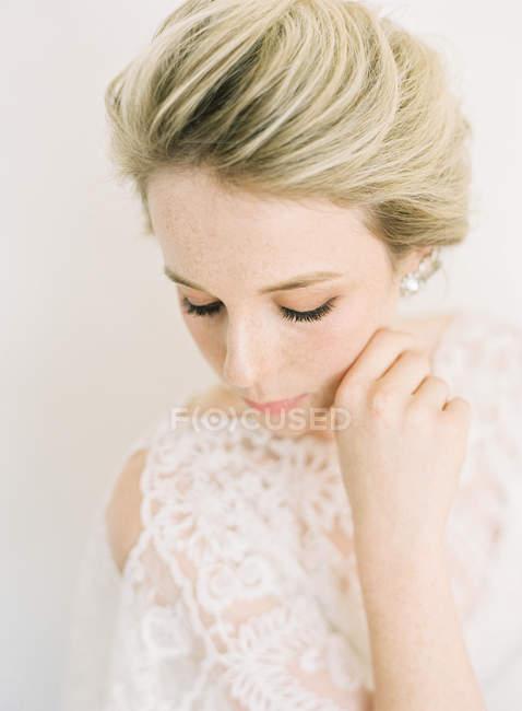 Молодая блондинка — стоковое фото