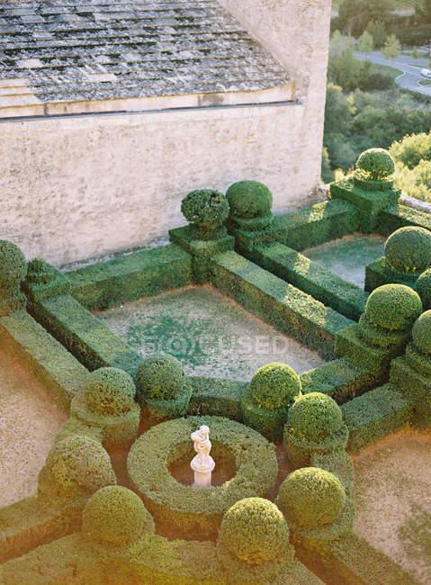 Giardino inglese classico e antico Palazzo — Foto stock
