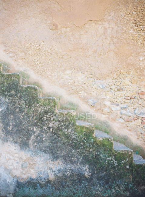 Velhos resistidos passos — Fotografia de Stock