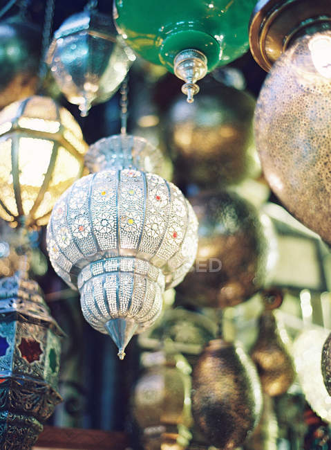 Moroccan lanterns at street stall — Stock Photo