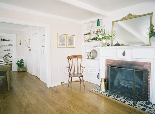 Living room with fireplace — Stock Photo