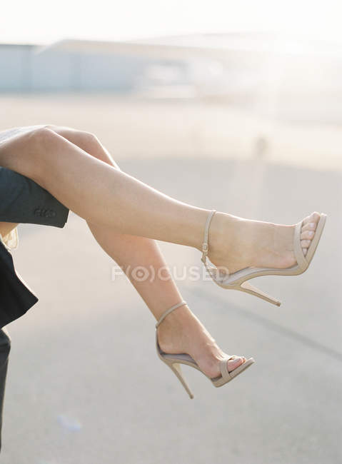 Beautiful female legs — Stock Photo