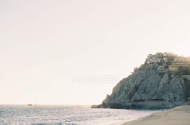 Remota località turistica sulla cima della collina — Foto stock