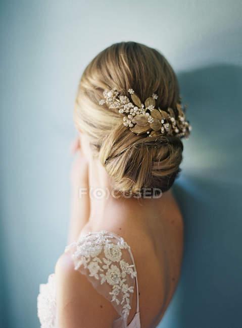 Жінка зачіска з квітковий Орнамент — стокове фото