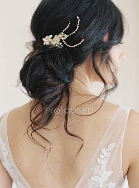 Наречена з елегантним волоссям Прикраси — стокове фото