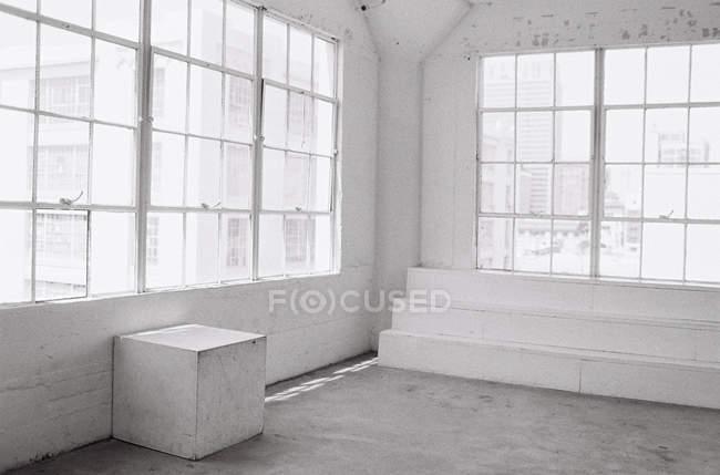 Interior minimalista studio — Fotografia de Stock