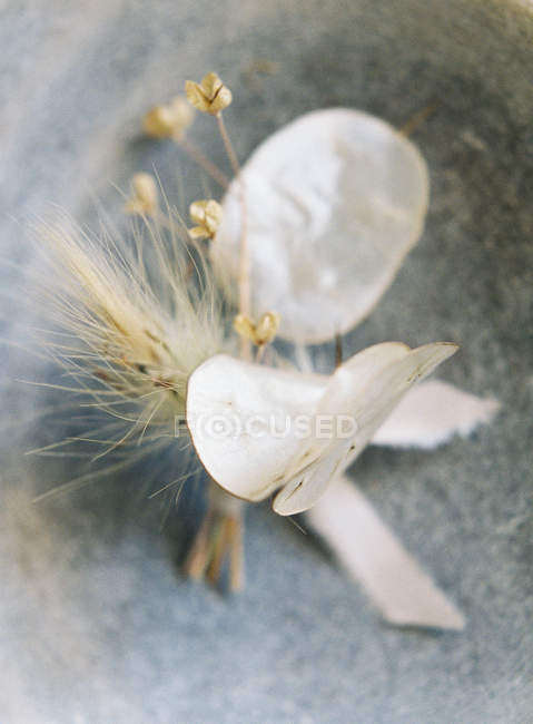 Wedding boutonniere with ribbon — Stock Photo