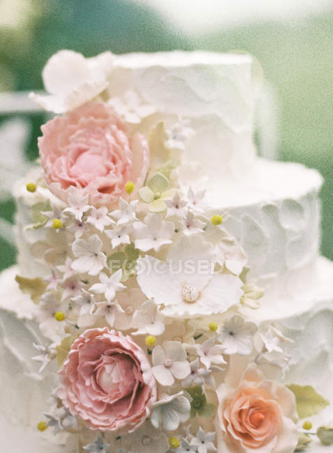 Красивый свадебный торт — стоковое фото